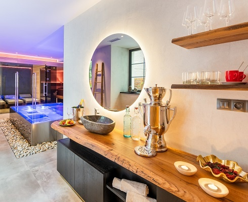 Spa - MOOo Downtown | Luxurious apartments in the center of Prague